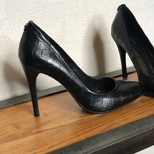 Calvin Klein Crocodile Whinnie Pumps